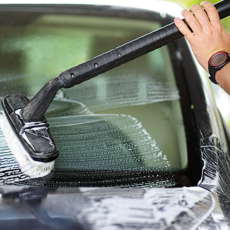 -CarforceOne-Bayreuth-Ilyas-Gel-Fahrzeugaufbereitung-Car-wash
